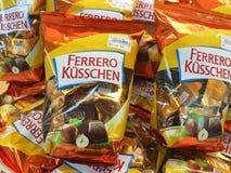 ¼ Ferrero KÃ sschen an Kuala Lumpur-Flughafen Lizenzfreie Stockbilder
