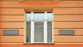 ¼ Karlovy Varys Mustafa Kemal Atatà rk und Sigmund Freud-Denkmal verschalt lizenzfreies stockfoto