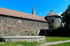 ¼ Sà kösd-Bethlen замок, аттестованный в 1636 как средневековое здание расположенное в Racos, Brasov стоковое изображение