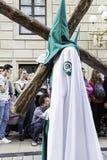 ½ o ¿ LOGROï, LA RIOJA, ИСПАНИЯ - 15-ое апреля: Святая неделя, религиозное шествие традиции с людьми в типичных костюмах, 15-ого  Стоковые Изображения RF