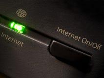 ¿Internet, CON./DESC.? Imagen de archivo libre de regalías