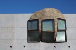 ¿Qué pared? Diseño arquitectónico caprichoso de la ventana de Eric Owen Moss en Los Ángeles Imagen de archivo