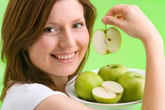 ¿Quiera una manzana? foto de archivo