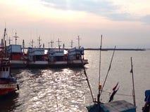 ตลภ² ณ สะพภ² นป ลภ² à¸à ¹ ˆà¸ ² ภ‡ ศà¸'ลภ² (Ang Sila Fish Market) stock afbeeldingen