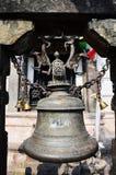 ฺBell in tempio di Swayambhunath o tempio della scimmia Fotografie Stock