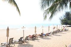 à¸'Holiday auf Strand im Sommer bei Hua Hin, Thailand Lizenzfreies Stockfoto