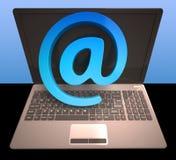 À l'email d'expositions d'ordinateur portable de signe sur le Web illustration stock