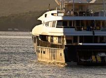 À l'extérieur navigation du yacht Images stock