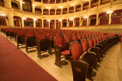 À l'intérieur d'un vieux théâtre image libre de droits