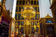 À l'intérieur d'une cathédrale de trinité à Pskov, la Russie Photo stock