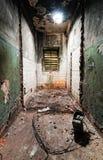 À l'intérieur d'une construction abandonnée Photos stock
