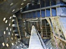 À l'intérieur d'une tour abandonnée Photo stock
