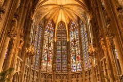 À l'intérieur de l'église France de Carcassonne photo stock
