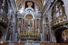 À l'intérieur de l'église de Gesu Nuovo dans la ville de Naples, l'Italie photo stock
