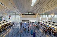 À l'intérieur de l'aéroport de Haneda à Tokyo, le Japon Photos libres de droits
