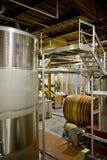 À l'intérieur de d'un établissement vinicole français Image libre de droits