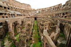 À l'intérieur de de Colosseum à Rome Images libres de droits