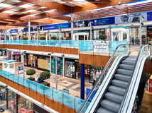 À l'intérieur de du centre commercial de Habaneras Image stock