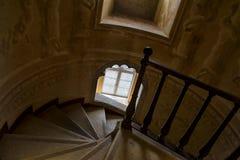 À l'intérieur de du palais de Pena dans Sintra, secteur de Lisbonne, Portugal Escalier spiralé Photo libre de droits