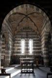 À l'intérieur de l'église de San Pietro dans Portovenere photographie stock libre de droits