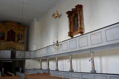 À l'intérieur de l'église enrichie médiévale dans Ungra, la Transylvanie Photo stock