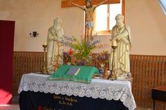 À l'intérieur de l'église médiévale enrichie dans Calnic, la Transylvanie Photo stock