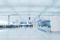 À l'intérieur de l'aéroport de Hong Kong Photographie stock libre de droits