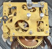 À l'intérieur de l'horloge (rouages d'horloge) Photographie stock libre de droits