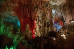 À l'intérieur de la caverne images libres de droits