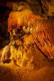 À l'intérieur de la caverne souterraine Photographie stock libre de droits