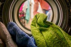À l'intérieur de la machine à laver Photographie stock