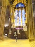 À l'intérieur de la vue de la cathédrale de Liverpool photos stock