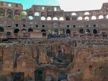 À l'intérieur de Roman Colosseum au coucher du soleil Image stock