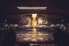 À l'intérieur du BasÃlica De Guadalupe à Mexico Photographie stock libre de droits