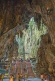 À l'intérieur du Batu énorme foudroie pas loin de Cuala Lumpur, Malaisie Image stock