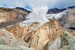 À l'intérieur du cratère du volcan de Mutnovsky Photographie stock libre de droits