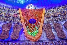 À l'intérieur du festival pandal de puja de Durga de décoration Image stock