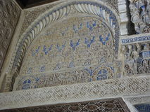 À l'intérieur du palais d'Alhambra photos libres de droits