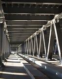 À l'intérieur du pont Photo stock