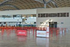 À l'intérieur du salon de départs à l'aéroport d'Alicante Image libre de droits
