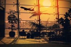À l'intérieur du terminal d'aéroport Photographie stock