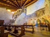 À l'intérieur du tombeau du sanctuaire de San Michele Arcangelo, Monte Sant Angelo photos libres de droits