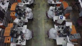 À l'usine de l'équipement de haut-sensibilité, vue aérienne banque de vidéos