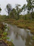 À travers le fleuve photos stock