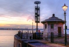 À travers le Mersey Images libres de droits