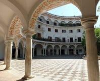 ? travers Plaza del Cabildo, S?ville image stock