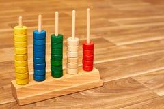 Ábaco de madeira da cor fotografia de stock royalty free