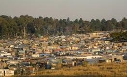 África do Sul, bairro degradado perto de Joanesburgo imagens de stock
