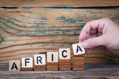 África Letras de madeira no fundo da mesa de escritório, o informativo e da comunicação imagens de stock royalty free
