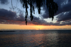 África, puesta del sol en Mont Choisy en Mauricio Foto de archivo libre de regalías